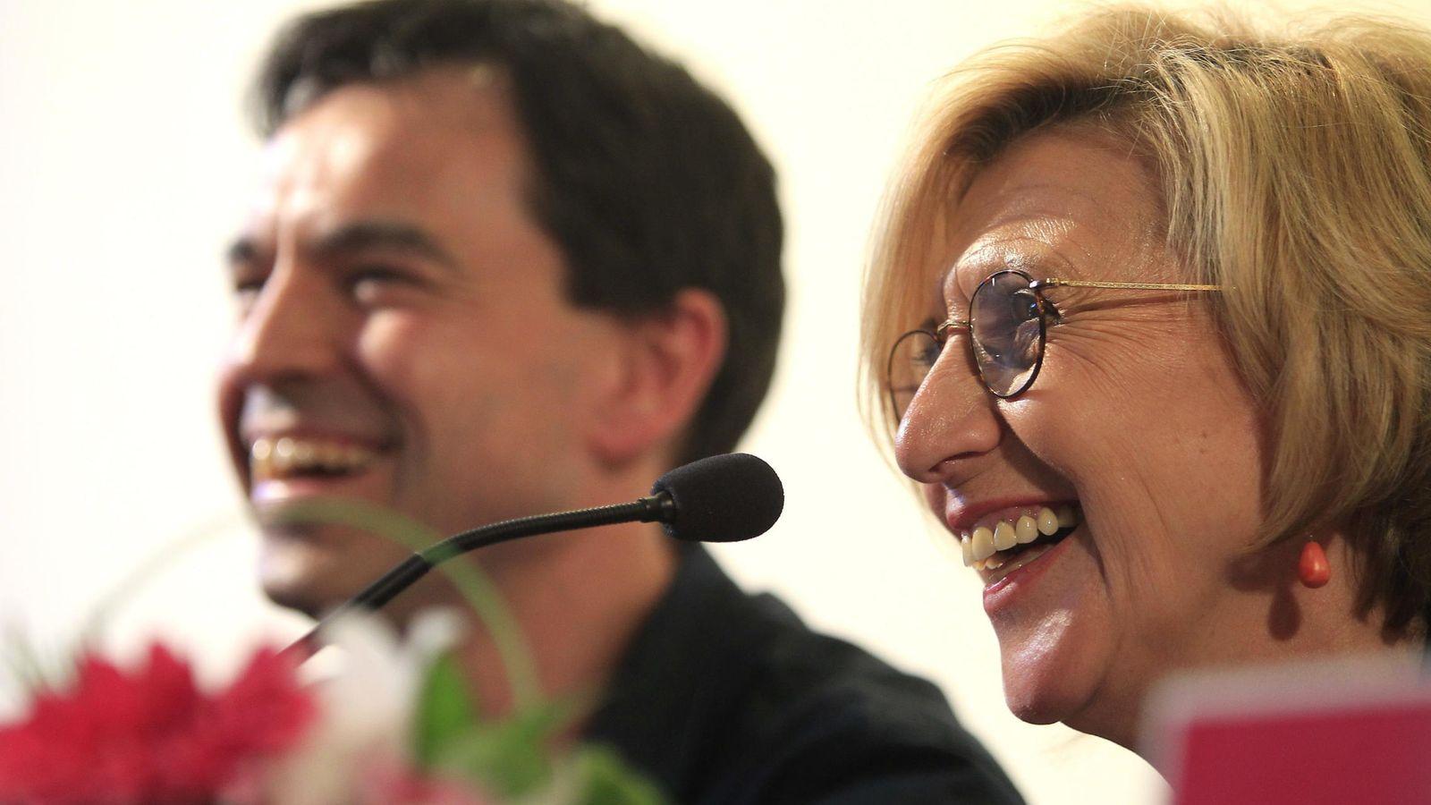 """Foto: La líder de UPyD, Rosa Díez, junto al """"número dos"""" de UPyD, Andrés Herzog (Efe)"""