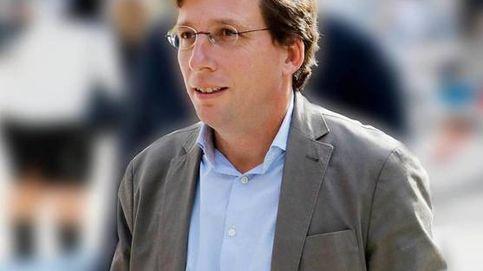 José Luis Martínez-Almeida, en siete datos: su sueldo, su altura y... ¿su novia?