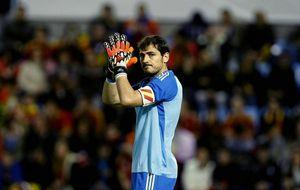Iker, suplente de Diego López en la 2013-14, candidato a mejor portero