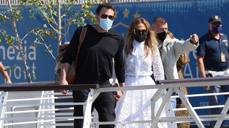 Ben Affleck y Jennifer Lopez, en Venecia. (EFE)