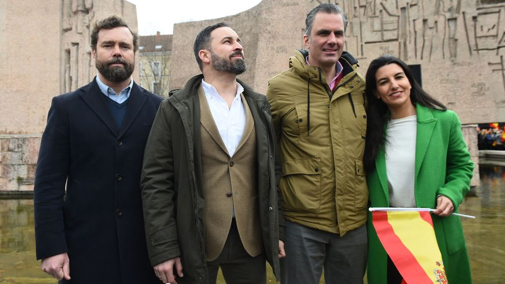 Abascal, Smith y Espinosa encabezan la lista de Vox por Madrid y Garriga por Barcelona