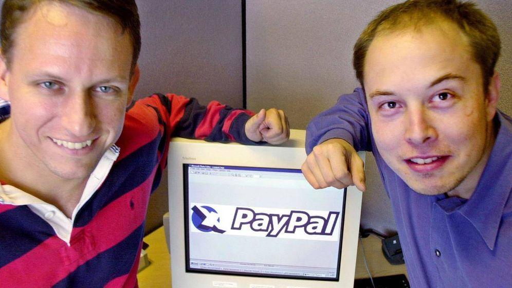 Foto: Thiel, confundador de Palantir; y un jovencísimo Elon Musk. Foto: Wikipedia