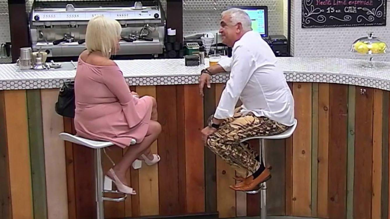 El pantalón de la discordia en 'First Dates': Lo dejamos