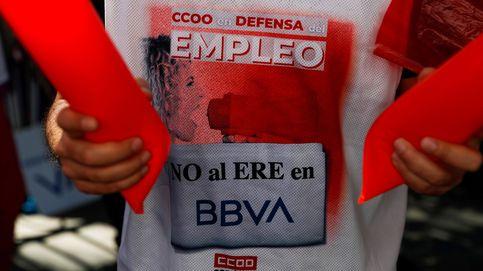 BBVA acuerda con los sindicatos su primer ERE con 2.935 salidas y un coste de 960M