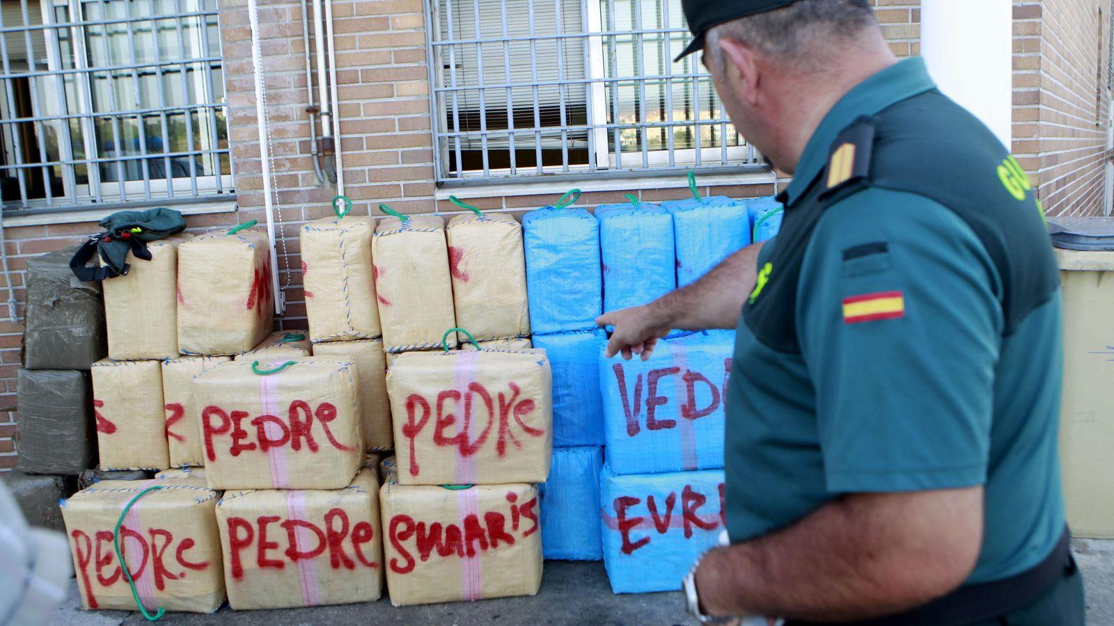 Foto: Una incautación de hachís en el Campo de Gibraltar. (EFE)