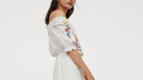 ¿Vacaciones a la vista? Incluye este vestido blanco de H&M en tu maleta