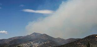 Post de Los bomberos frenan el avance del incendio de Llançà y algunos vecinos volverán a casa