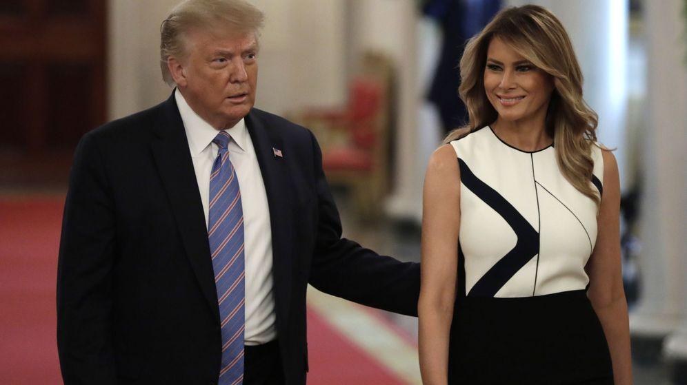 Foto: Melania Trump, junto a su esposo Donald Trump. (EFE)