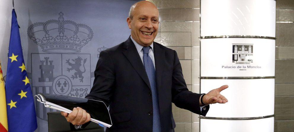 Foto: El ministro Wert, durante su comparecencia tras el último consejo de ministros (EFE)