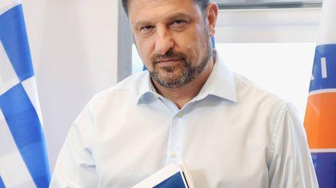 Cómo el gestor de la pandemia se convirtió en el hombre más popular de Grecia