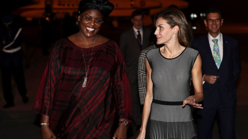 Foto: Doña Letizia con la primera dama de Senegal. (Efe)