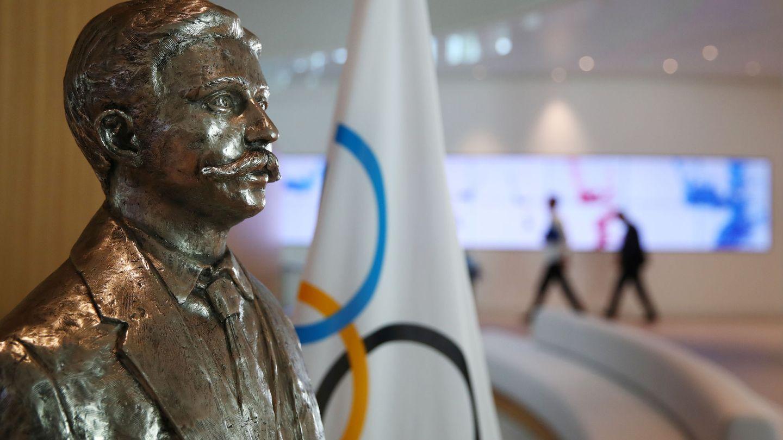 El barón Pierre de Coubertin, en la sede del COI en Lausana. (Reuters)