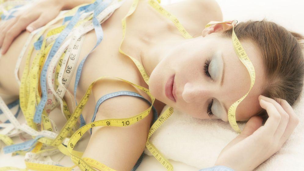 Foto: Te va a venir bien dormir con tu cinta métrica para quedarte alucinada con tus nuevas medidas al despertar. (iStock)