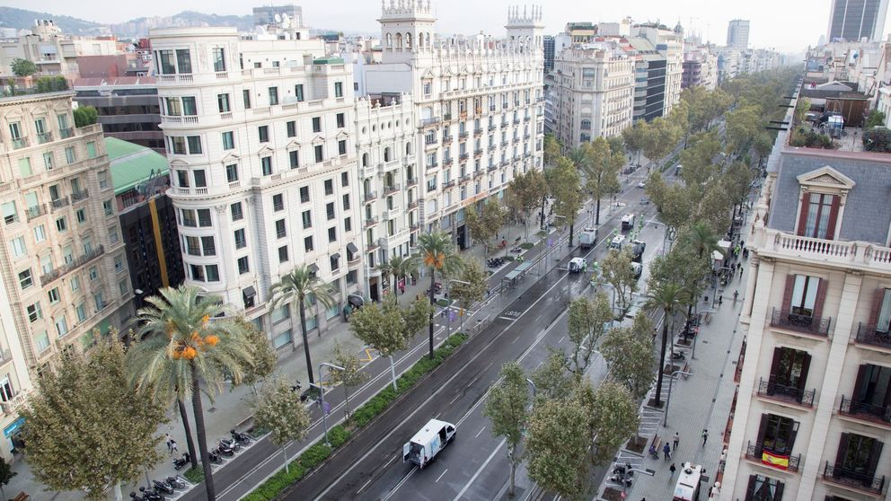 El metro cuadrado se encarece 350 € en tres años en Barcelona y cae 44 en Segovia