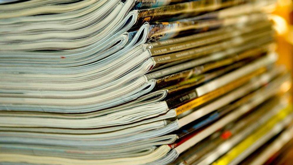Foto: Una pila de revistas, seguramente accesibles en internet (Pixabay)