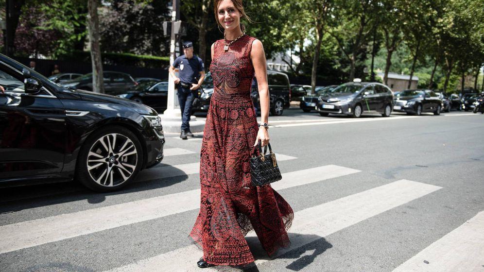 Foto: Gala González en su camino al desfile de Christian Dior. (Cordon Press)