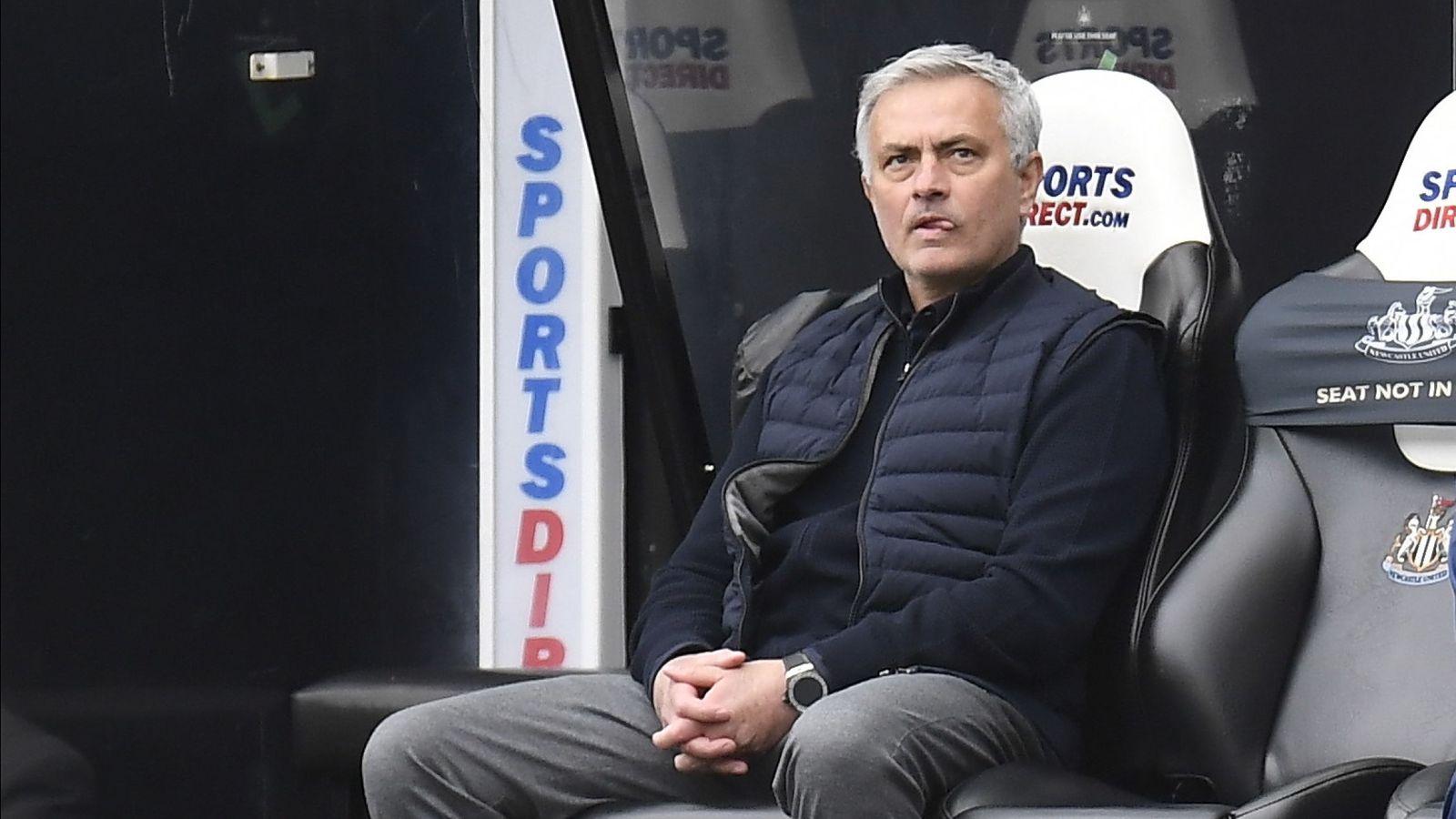 Mourinho, otra vez al borde del despido por la inercia perdedora del  Tottenham