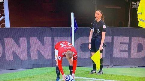 La tele iraní cortó 100 veces el Tottenham-United para no mostrar las piernas de la linier