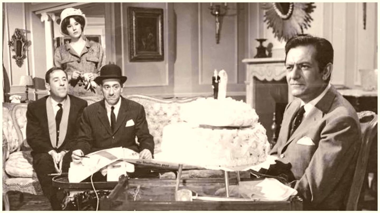 El actor barcelonés, compartiendo escena con Alfredo Landa, Concha Velasco y José Luis López Vázquez en 'Casi un caballero'. (Hesperia Films)