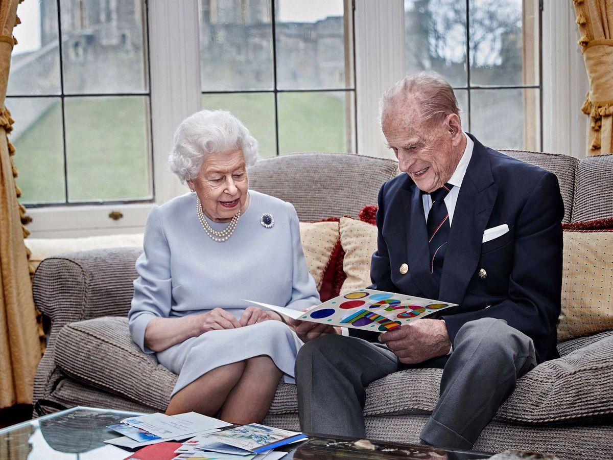 Foto: La reina Isabel y el duque de Edimburgo. (Palacio de Buckingham)