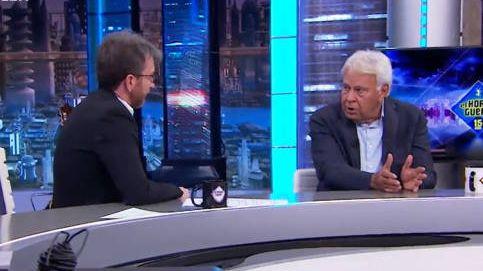 Felipe González, sin hablar con Sánchez y huérfano de representación política