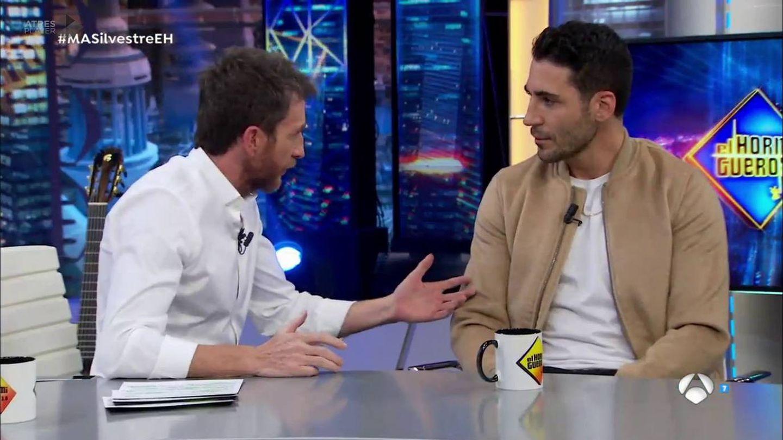 Miguel Ángel Silvestre y Pablo Motos. (Atresmedia TV)
