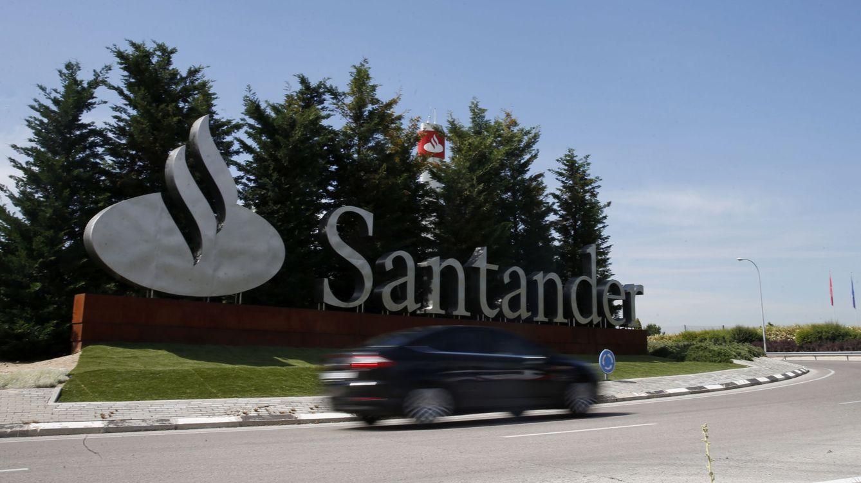 Foto: Vista de la Ciudad Financiera del Banco de Santander en la localidad de Boadilla del Monte (Madrid). (EFE)