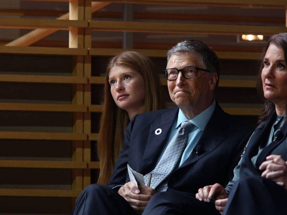 Foto: Bill y Melinda Gates, junto a su hija Jennifer. (Getty)