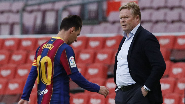 Messi y Koeman se cruzan tras la derrota por 1-2 ante el Celta. (Reuters)