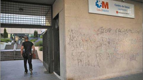 Los 65 olvidados de la vacunación en Madrid: Dicen que ya vendrán cuando haya dosis
