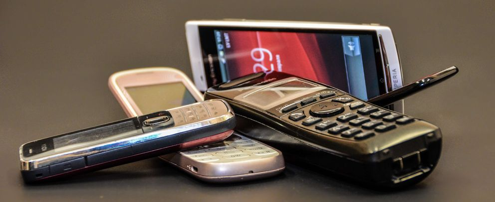 Foto: El motivo por el que los 'teléfonos tontos' siguen vivos