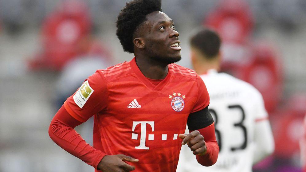 Foto: Davies, en una imagen de esta temporada con la camiseta del Bayern de Múnich. (Reuters)