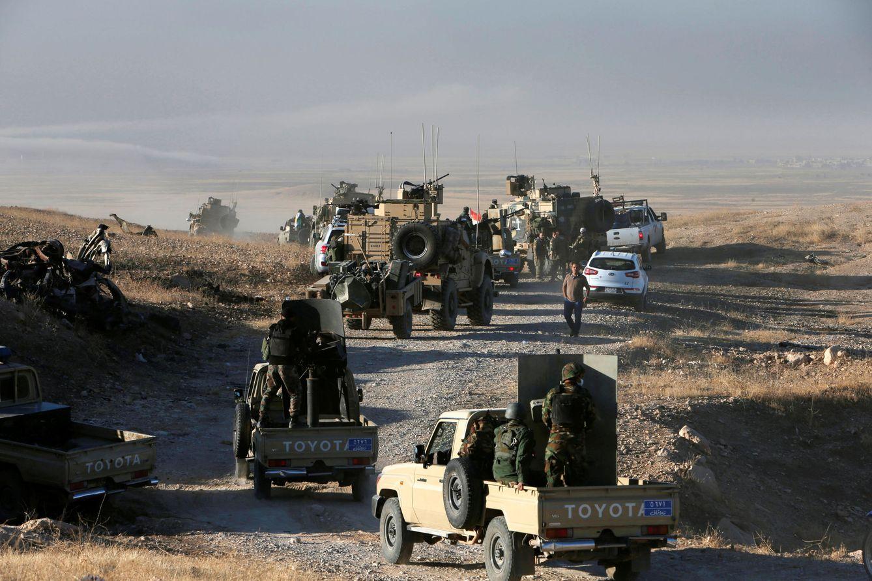 Foto: Fuerzas 'peshmerga' avanzan hacia posiciones del Estado Islámico en el este de Mosul, Irak. (Reuters)