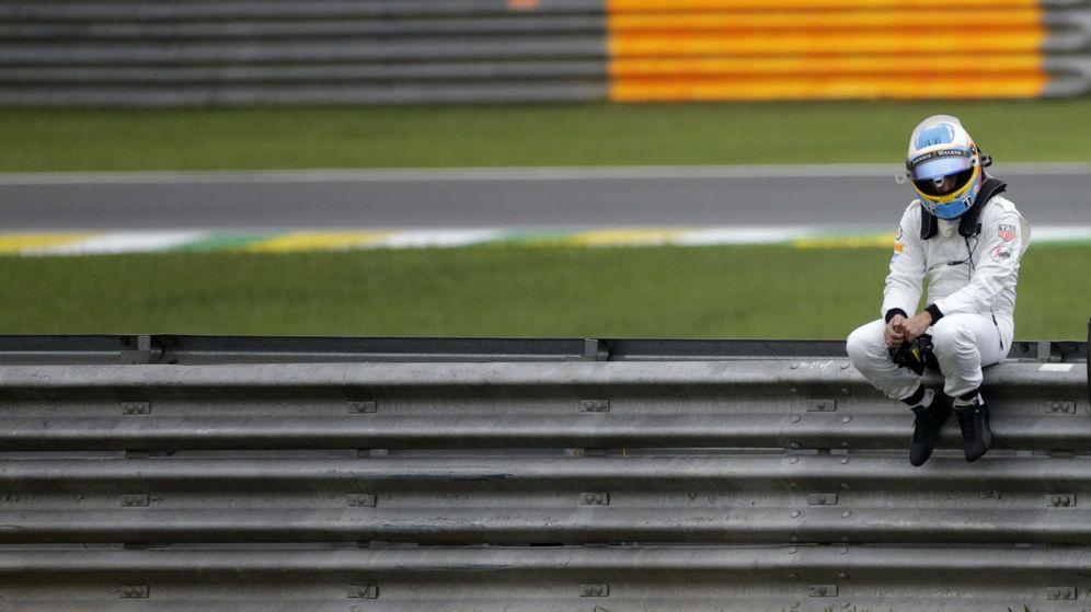 Foto: Fernando Alonso en los libres de Brasil (Efe).