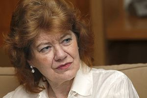 """Anne Perry cree que en los libros de Agatha Christie """"no hace falta pensar"""""""