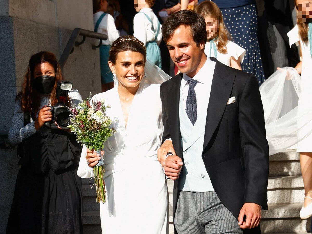 Foto: Mónica Aznar y Fabrique Balmaseda, muy sonrientes tras la ceremonia. (Gtres)