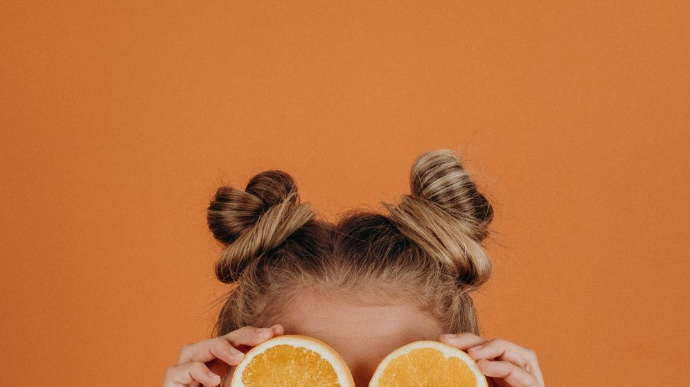 Foto: Apúntate a la vitamina C para dar luz a tu piel. (Noah Buscher para Unsplash)
