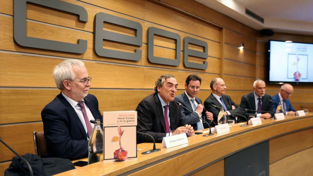 Foto: El presidente de la CEOE, Juan Rosell, en la presentación del libro 'Hacer Europa y no la guerra'. (EFE)