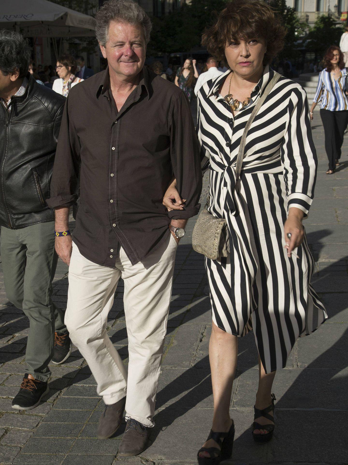 Juan Luis Cano y esposa. (Vanitatis)