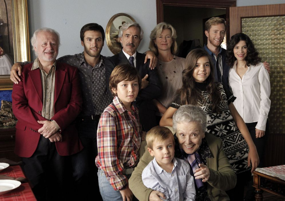 Foto: Reparto al completo de la serie 'Cuéntame cómo pasó', que emite TVE. (EFE)