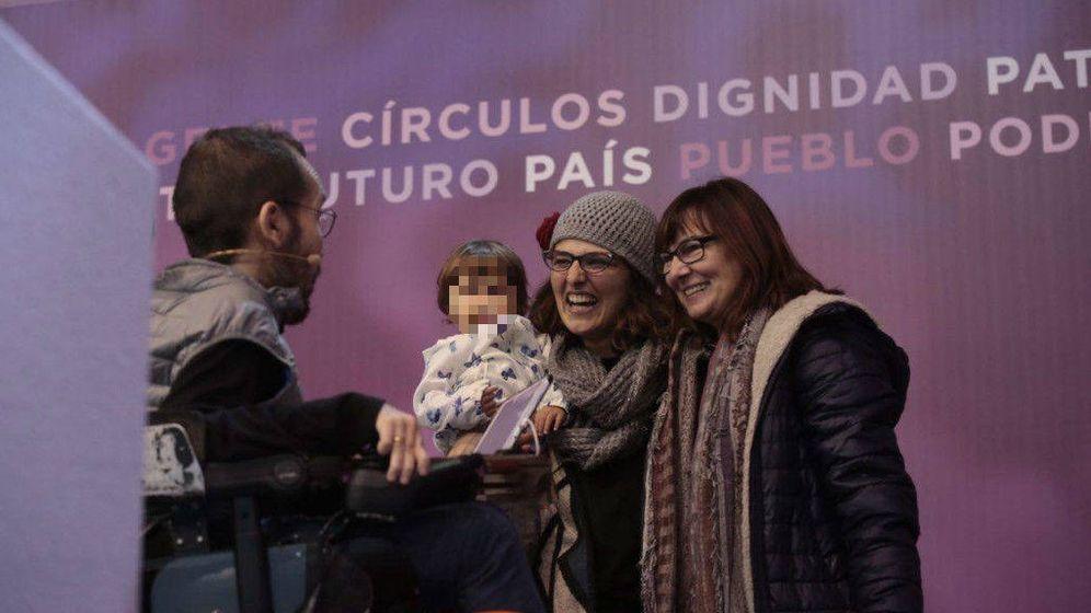 Foto: Pablo Echenique e Inmaculada Ramos (c), en Vistalegre II. (Podemos)
