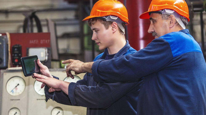 Foto: ¿Es la Formación Profesional Dual la solución para la juventud sin expectativas? (iStock)