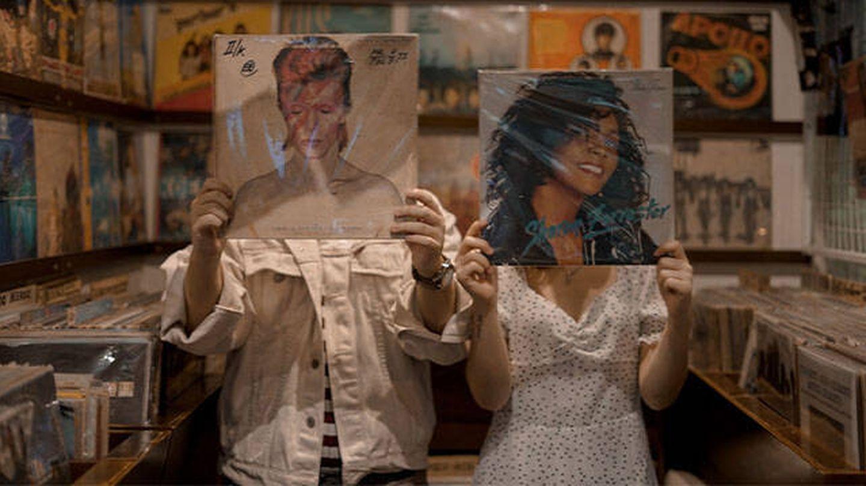 Tienda de discos de vinilo (Nada Hanifah para Unsplash)