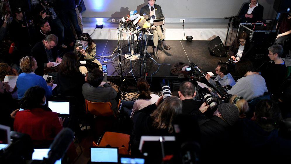 Foto: El expresidente catalán Carles Puigdemont ofrece una rueda de prensa en Berlín. (EFE)