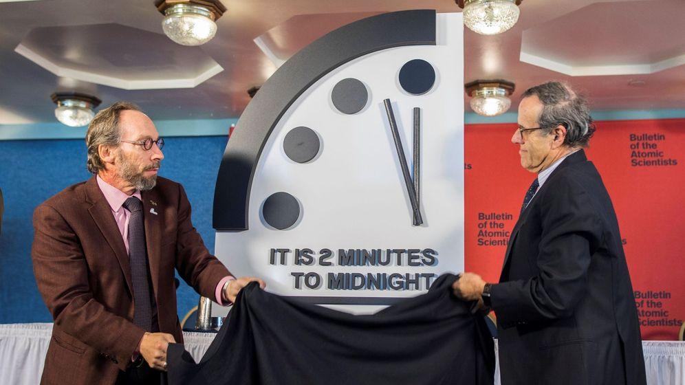 Foto: Los científicos norteamericanos colocan el 'Reloj del Fin del Mundo' a dos minutos del Apocalipsis. (EFE)