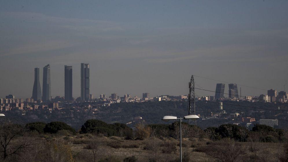 Foto: Vista de la contaminación sobre la ciudad de Madrid. (EFE)