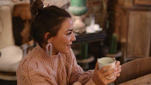 El look camel de Paula Ordovás confirma que los palazzo también son para las bajitas