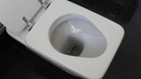 Esto es lo que has estado haciendo mal en un baño público toda tu vida
