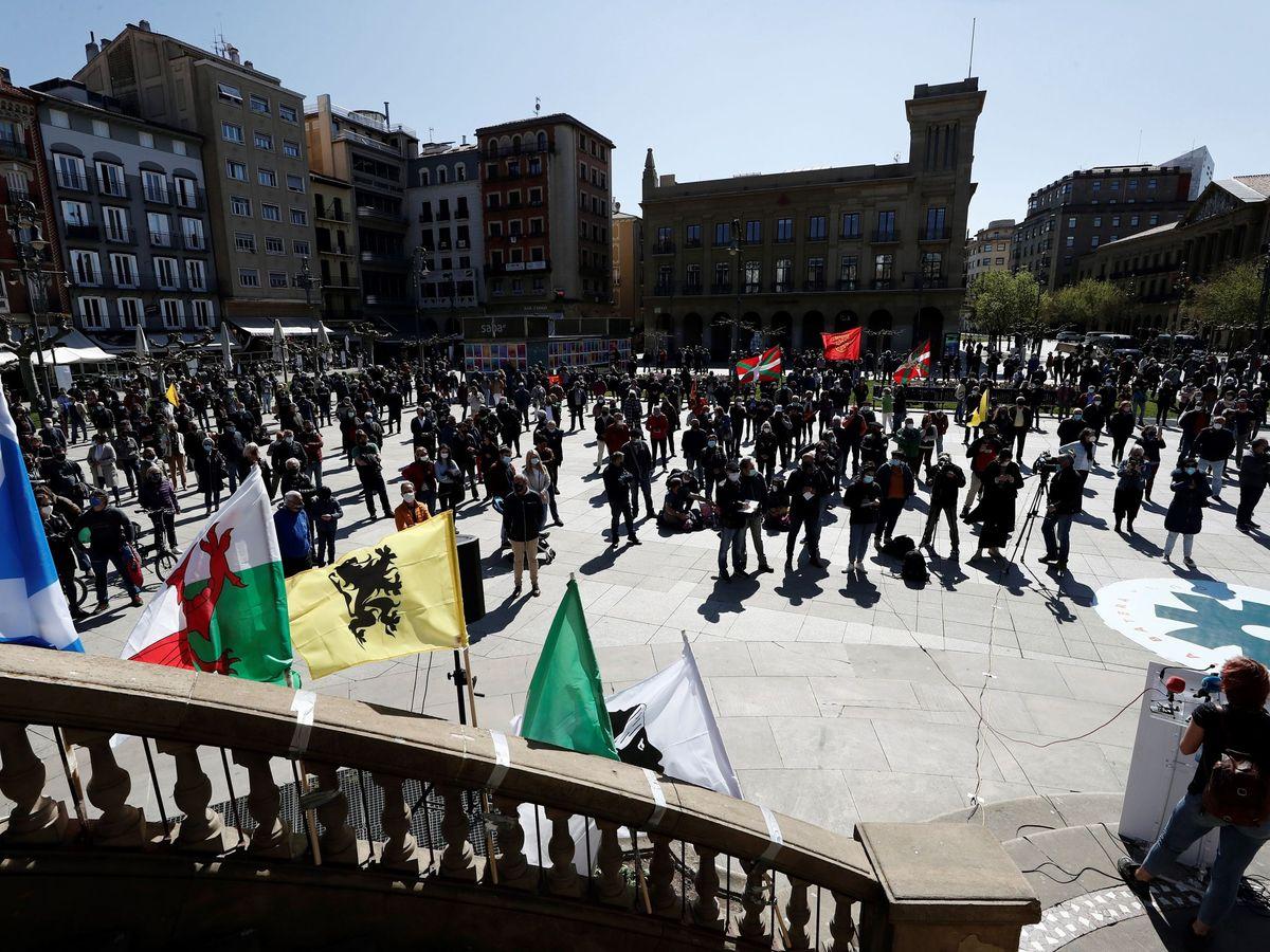 Foto: Miles de personas en Navarra durante el Aberri Eguna (Día de la Patria Vasca). (EFE)