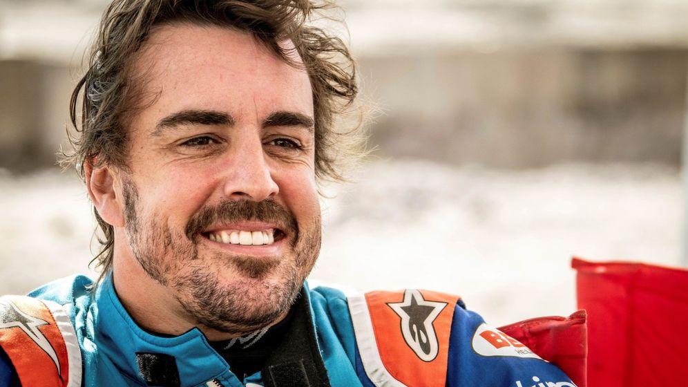 Foto: Fernando Alonso volará mañana para afrontar el Rally de Marruecos. (EFE)